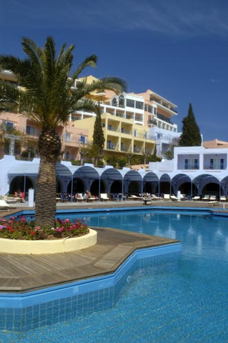 http://www.yalostours.gr/images/new/HOTELS/HOTELS%20ATHENES%20ATTIQUE2_html_4c04649b.jpg
