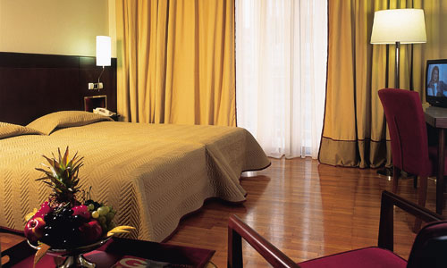 https://www.yalostours.gr/images/hotels/athens_acropole.jpg