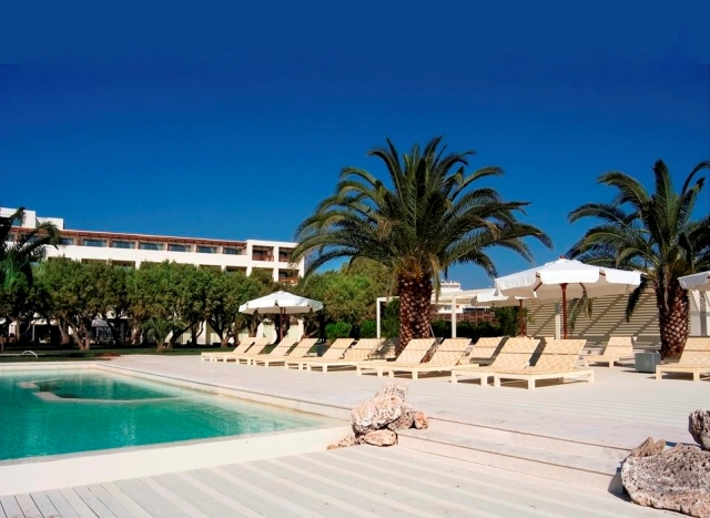 https://www.yalostours.gr/images/hotels2/Athens-PlazaResort/Pool.JPG