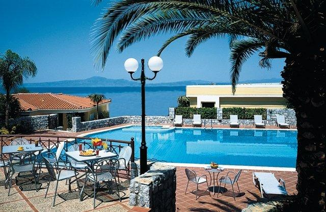 https://www.yalostours.gr/images/new/HOTELS/HOTELS%20PELOPONNESE_html_m4f6dc638.jpg
